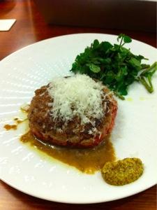 赤牛のタタールステーキ