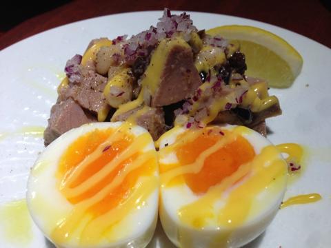 自家製ツナと白インゲン豆、半熟卵のサラダ(840円)